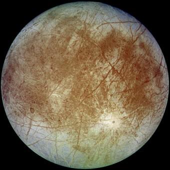 Europa visto dalla sonda Galileo (NASA/JPL)