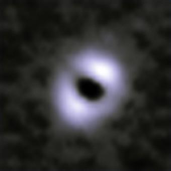 Kappa Coronae Borealis vista da Herschel. Credit: ESA/Bonsor et al (2013)