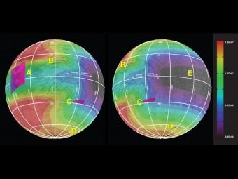 In queste mappe d'Europa, la relazione, su cinque aree della luna, fra la quantità d'energia depositata dal bombardamento di particelle cariche e il contenuto chimico dei depositi di ghiaccio presenti in superficie. Crediti: NASA / JPL-Caltech / Univ. di Ariz. / JHUAPL / Univ. di Colo