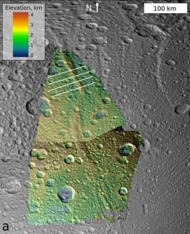 Immagine topografica delle Dorsa del Gianicolo, montagna della luna di Saturno Dione. Crediti: NASA/JPL-Caltech/SSI/Marrone