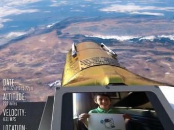 """Esempio di una visualizzazione """"selfie"""" del telescopio spaziale Arkyd-100.  CREDIT:  Planetary Resources"""