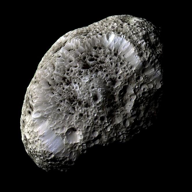 La Luna di Saturno, Iperione. Crediti & Copyright: Cassini Imaging Team, SSI, JPL, ESA, NASA