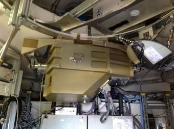 Il criostato di ArTeMiS in posizione su APEX. (Crediti: ArTeMiS team/ESO)