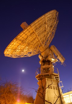 La parabola da 13 metri all'Osservatorio Jodrell Bank. Crediti: Anthony Holloway, University of Manchester