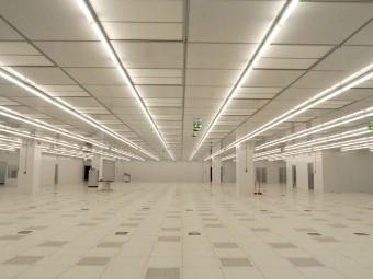 La Camera Pulita (clean room) all'interno dello stabilimento, dove si realizzano tutti i componenti elettornici.