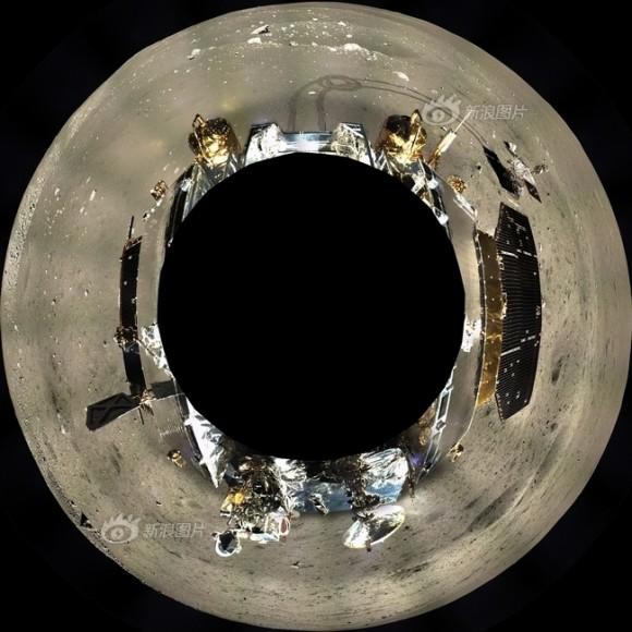 Il paesaggio a 360° attorno al lander Change-3, dopo che Yutu è completamente sceso sulla superficie lunare. Credit: Chinese Academy of Sciences