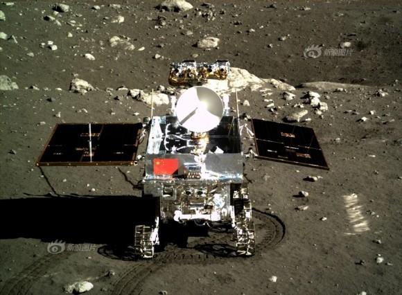 Il rover Yutu fotografato il 15 dicembre 2013. Crediti: Chinese Academy of Sciences
