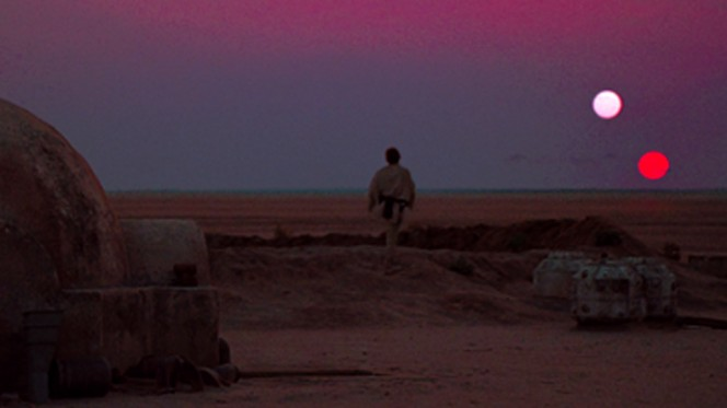 Luke Skywalker su Tatooine. Crediti: Wikipedia