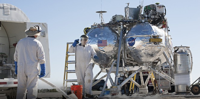 La NASA sta testando nuove tecnologie per garantire atterraggi di precisione con sensori di superficie, capaci di calcolare e prevenire i rischi di zone particolarmente ostili, valutando l'altitudine e la velocità del veicolo oltre alla topografia del terreno. In tempo reale.