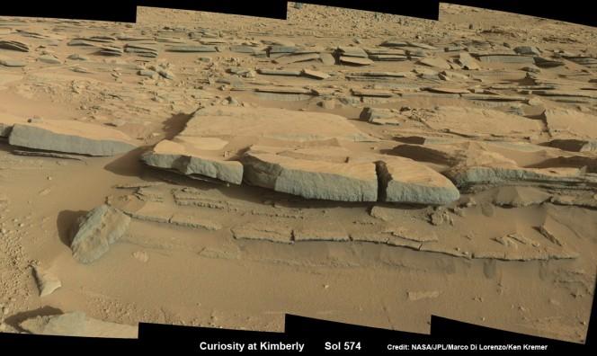 Un gruppo di rocce nella regione Kimberly. Credit: NASA/JPL-Caltech/Marco Di Lorenzo/Ken Kremer-kenkremer.com
