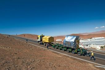 Lo strumento MUSE in viaggio verso il VLT all'Osservatorio del Paranal. Crediti: ESO