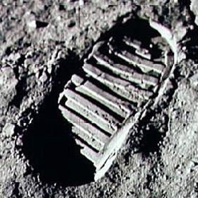 "Notizie ""Astronomiche""... Armstrong-impronta_650x435"