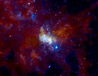 Immagine Chandra della zona di cielo circostante Sagittarius A*. Crediti:  NASA/CXC/MIT/F. Baganoff, R. Shcherbakov et al.