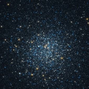 L'ammasso globulare Messier 5 ripreso dal telescopio spaziale Hubble. Crediti: Hubble/NASA/ESA