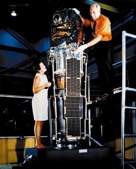 1970: non è un nuovo elettrodomestico ma il satellite Uhuru per l'esplorazione del cielo in raggi X. Crediti: NASA