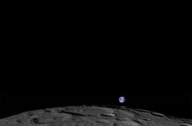 """""""Earthrise"""" (in italiano Sorgere della Terra) è il nome di questa bellissima fotografia scattata il primo febbraio 2014 dal Lunar Reconnaissance Orbiter della NASA. Crediti: NASA/GSFC/ARIZONA STATE UNIVERSITY"""