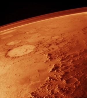 Un'affascinante vista dell'atmosfera marziana nell'obiettivo del Viking Orbiter.