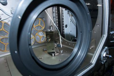 Il sistema di decontaminazione in orbita all'interno del Microgravity Science Glovebox (MSG) permetterà di raggiungere nuovi risultati scientifici nell'ambito delle ricerche a bordo della Stazione Spaziale Internazionale. Crediti: NASA
