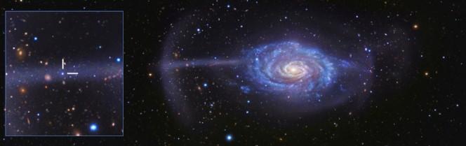 La galassia Ombrello (Umbrella Galaxy) prende il nome dalla misteriosa caratteristica evidenziata nel riquadro a sinistra. Si tratta di un ammasso di detriti appartenenti a una piccola galassia, triturati a pezzi dall'azione della forza di gravità. L'immagine è il risultato di una combinazione di dati raccolti dal BlackBird Remote Observatory Telescope in Nuovo Messico e dal Subaru Telescope a Mauna Kea, nelle Hawaii. Crediti: R. Jay Gabany.