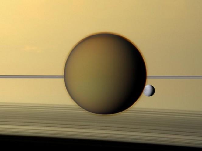 Titano e Dione. Crediti: NASA/JPL-Caltech/Space Science Institute