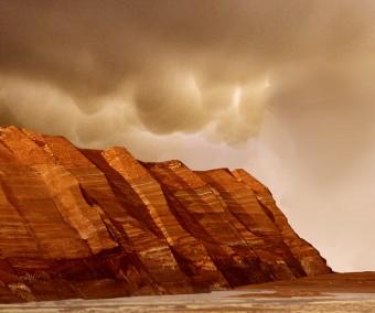Nuvole su Marte. Crediti: NASA / JPL.