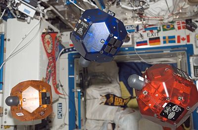 400px-Three_SPHERES_on_International_Space_Station