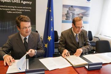 La firma dell'accordo di cooperazione tra GSA ed Eurocontrol Credits: GSA European GNSS Agency