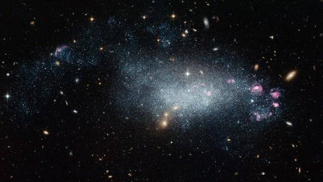 Galassia nana DDO 68. Credit: NASA & ESA, A. Aloisi (Space Telescope Science Institute)