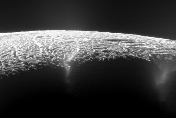 enceladus1-580x390