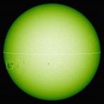 Figura 2 (b). Immagine delle macchie solari osservate raccolta il 15 novembre 2014 nella luce bianca con il Solar Flare Telescope del Solar Observatory/NAOJ