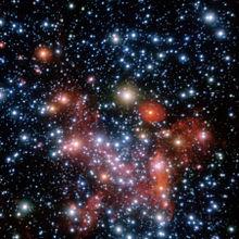 Immagine ESO nel vicino infrarosso delle circa 30 stelle intorno al centro galattico e al suo buco nero supermassiccio (strumentazione NACO (NAOS-CONICA) del VLT)