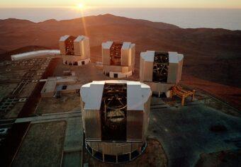 I telescopi che compongono il Very Large Telescope (VLT) dell'ESO, in Cile