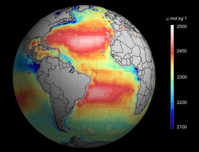 Una mappatura completa del grado di alcalinità degli oceani, ottenuta grazie ai dati raccolti dai satelliti nell'orbita terrestre. Crediti: Ifremer / ESA / CNES.