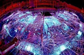 La Z-Machine installata presso il Sandia National Laboratory. Fotografia di Randy Montoya.