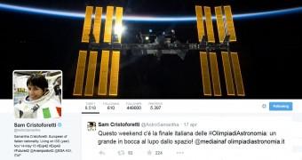 Gli auguri di AstroSamantha ai partecipanti alle Olimpiadi Italiane di astronomia 2015.