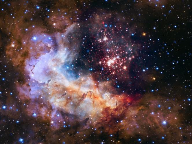 Questa immagine realizzata con l'Hubble Space Telescope della NASA ed ESA che riprende il cluster Westerlund 2 e i suoi dintorni è stata scelta per celebrare i 25 anni di attività del telescopio spaziale
