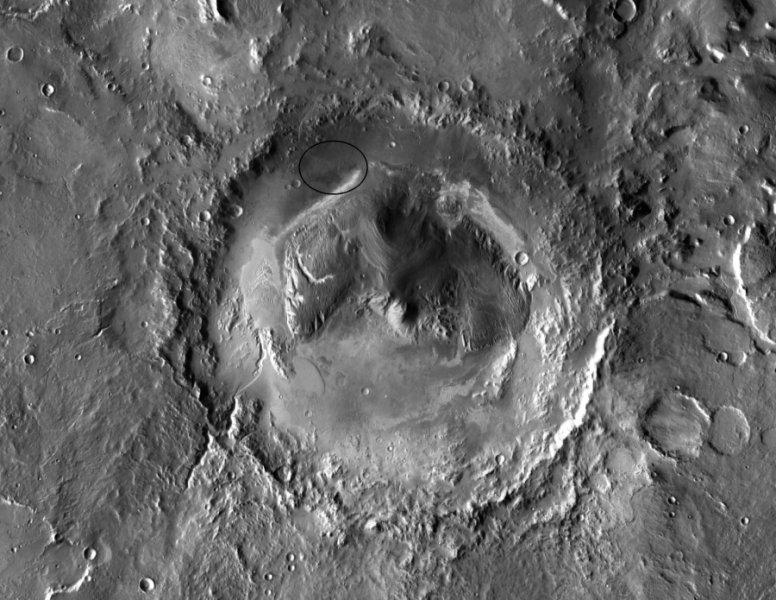 Cratere Galee su Marte. Curiosity è atterrato ai piedi di Monte Sharp, al centro di questo cratere.  Crediti: Courtesy NASA/JPL-Caltech