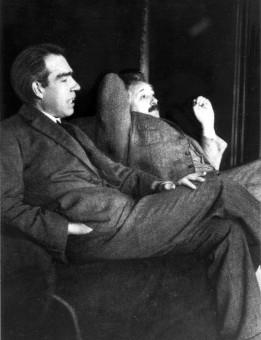 Niels Bohr e Albert Einstein nel 1925. Crediti: wikimedia.org