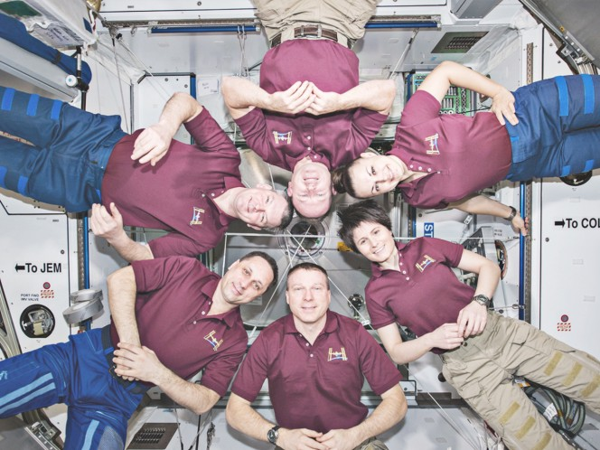 Equipaggio riunito a bordo della ISS.