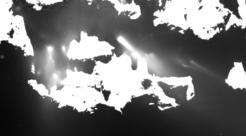 Dettaglio dei getti di polvere notturni su 67P. Crediti: ESA/Rosetta/MPS for OSIRIS Team MPS/UPD/LAM/IAA/SSO/INTA/UPM/DASP/IDA