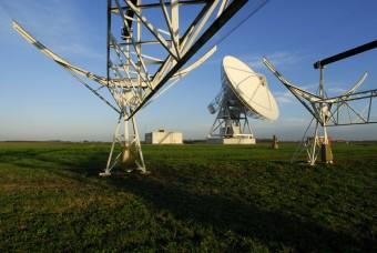Il radiotelescopio INAF di Medicina (BO). Insieme a quello di Noto, sempre dell'INAF, e a quello di Matera dell'ASI, fa parte della rete VLBI globale. Pur non partecipando direttamente al calcolo di UT1, le antenne italiane contribuiscono alla stima dei paramentri di orientazione terrestre sul lungo periodo. Crediti: INAF/R. Cerisola