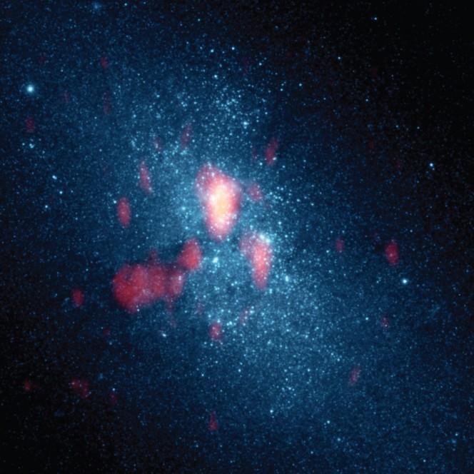 La galassia NGC 5253 vista da Hubble Space Telescope.