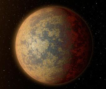 """Come potrebbe apparire il pianeta HD 219134b,il pianeta roccioso più vicino a noi finora trovato al di fuori del Sistema Solare. HA una dimensione di una volta e mezza la Terra e """"frulla"""" intorno alla sua stella in solo tre giorni. A causa della temperatura elevata, probabilmente possiede una superficie parzialmente fusa con intensa attività geologica. Crediti: NASA/JPL-Caltech"""