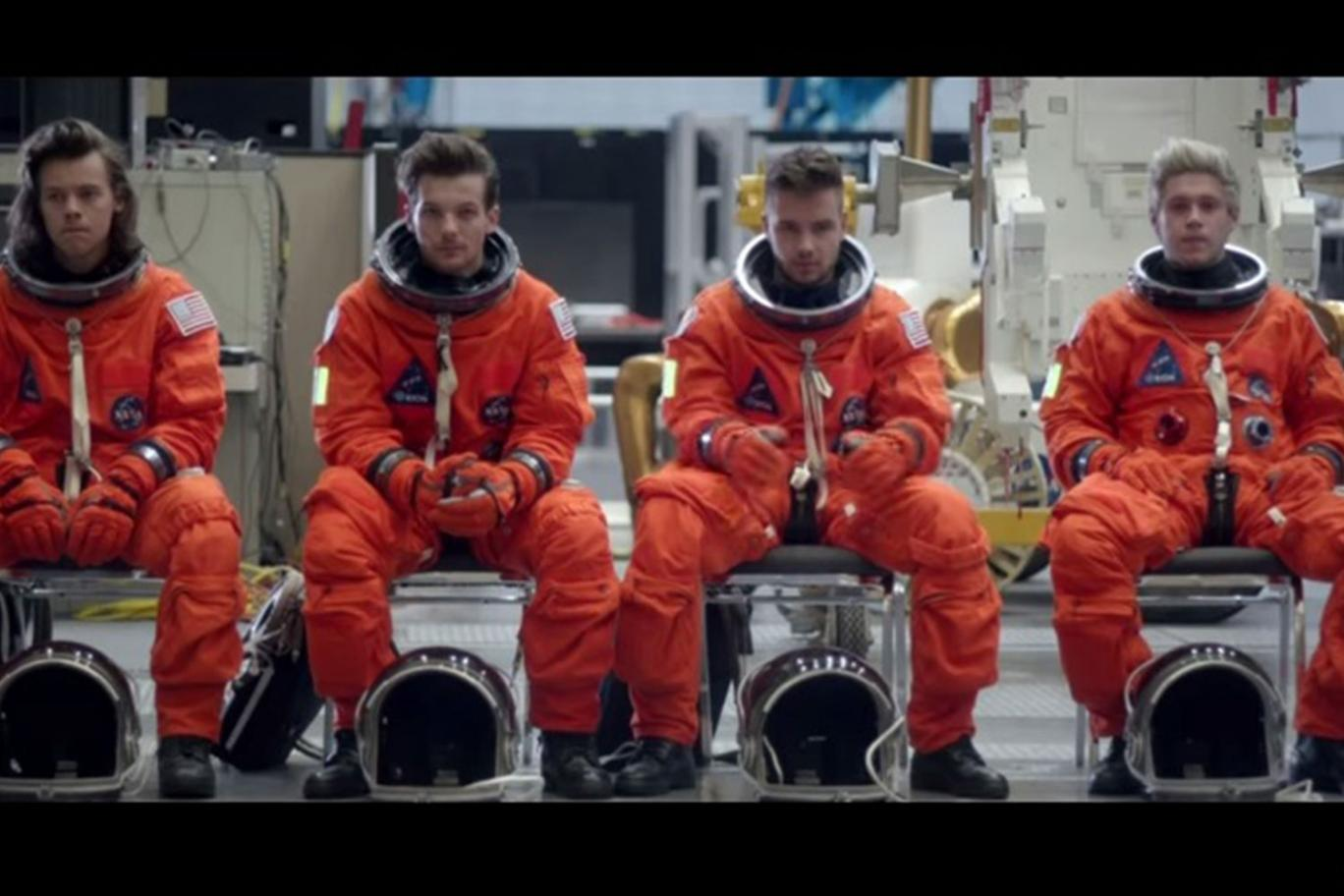 One Direction astronauti per un giorno