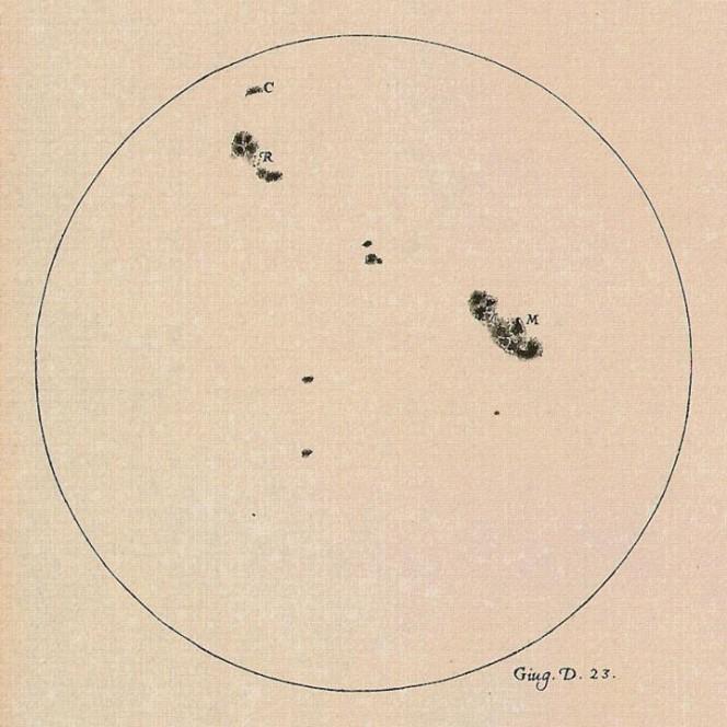 Un disegno del Sole realizzato da Galileo Galilei il 23 Giugno 1613 che mostra le posizioni e le dimensioni delle macchie solari. Galileo fu uno dei primi a osservare e registrare il numero e la forma delle macchie solari. Crediti: The Galileo Project/M. Kornmesser