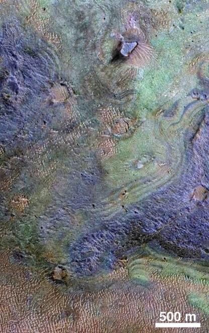 Crediti: NASA / JPL-Caltech / JHUAPL / University of Arizona.