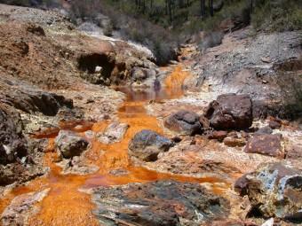 Una immagine del fiume acido di Rio Tinto, in Spagna. Crediti: Carol Stoker, NASA