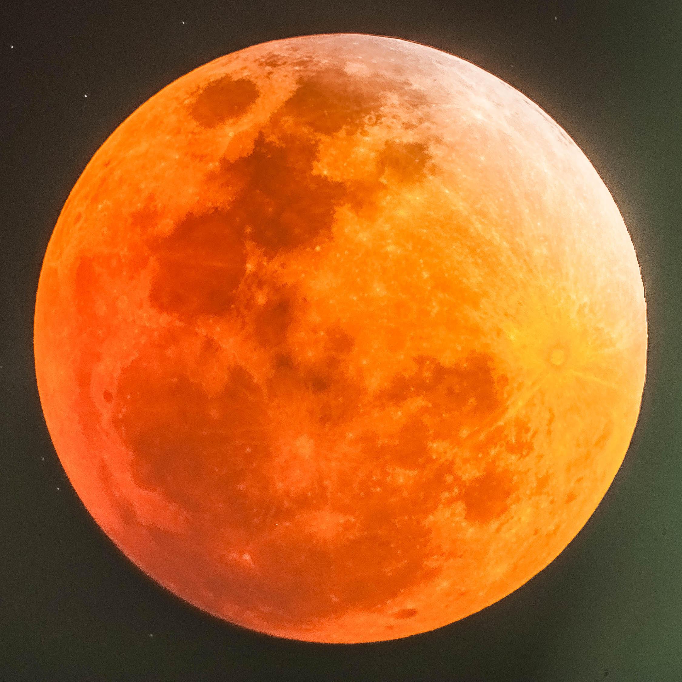 Luna di sangue: eclissi da record