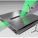 Le due piastre di un'antenna di tipo leaky wave, in grado di separare - un po' come fa un prisma con la luce - le frequenze fino al terahertz. Crediti: Mittleman Lab / Brown University