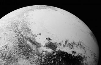 """""""Prospettiva sintetica"""" composta con le ultime immagini scaricate da New Horizons"""